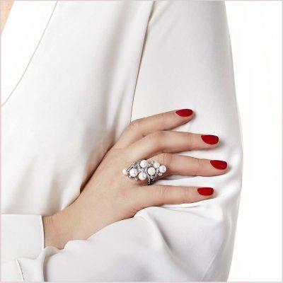 Yoko London Raindrop Diamond and Akoya Pearl Ring
