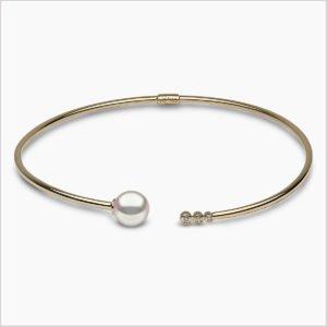 Yoko London Novus Diamond and Freshwater Pearl Necklace