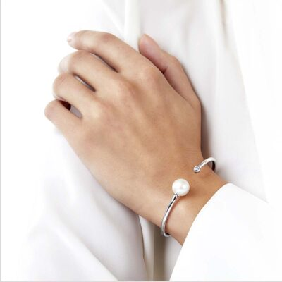"""<span id=""""product-title"""">NOVUS </span><br><span id=""""product-description"""">FRESHWATER PEARL AND DIAMOND BRACELET IN 18CT WHITE GOLD</span>"""