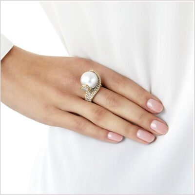 Yoko London Aurelia Diamond and South Sea Pearl Ring