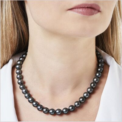 "<span id=""product-title"">CLASSIC </span><br><span id=""product-description"">TAHITIAN PEARL NECKLACE IN 18CT GOLD</span>"