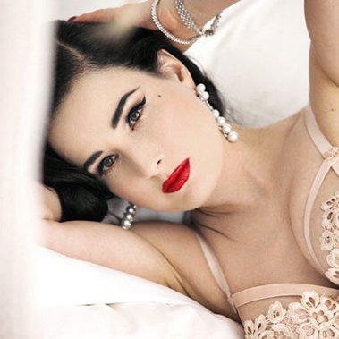 Dita Von Teese Wears Yoko London Pearls