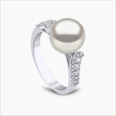 Yoko London Classic Diamond and Freshwater Pearl Ring