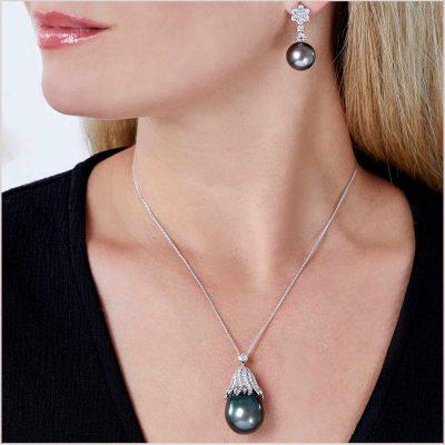 Yoko London Twilight Diamond and Tahitian Pearl Pendant